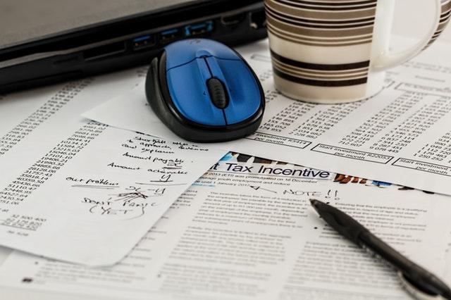 umowa o dzieło - kto płaci podatek